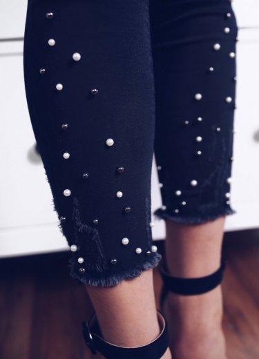 Spodnie CHER z perłami przy nogawkach - czarne