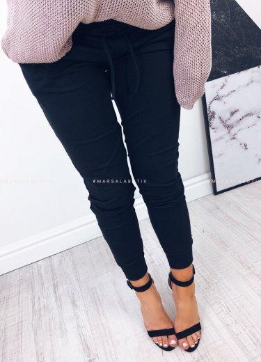 Spodnie dresowe COMFORT BASIC czarne