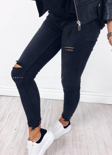 Spodnie slim STICKY - czarne