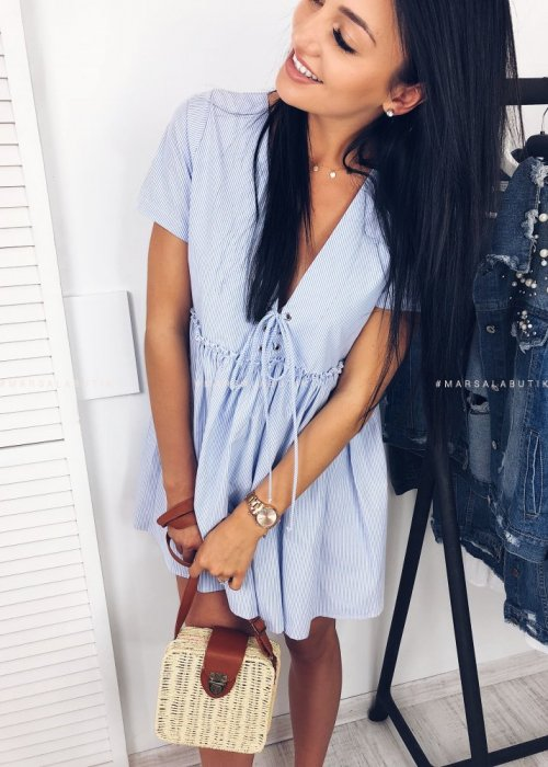 Sukienka CARLA rozkloszowana z wiązaniem błekitna