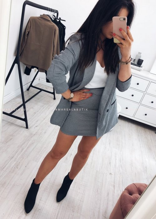 /thumbs/fit-500x700/2018-10::1538758047-ijue4244.jpg