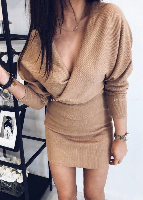 Sukienka MISTY prążek z zakładkami beż