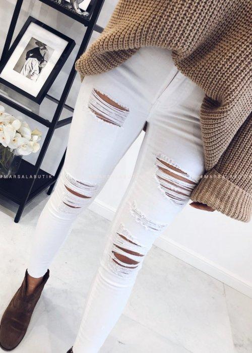 White ragged pants – CRUSH