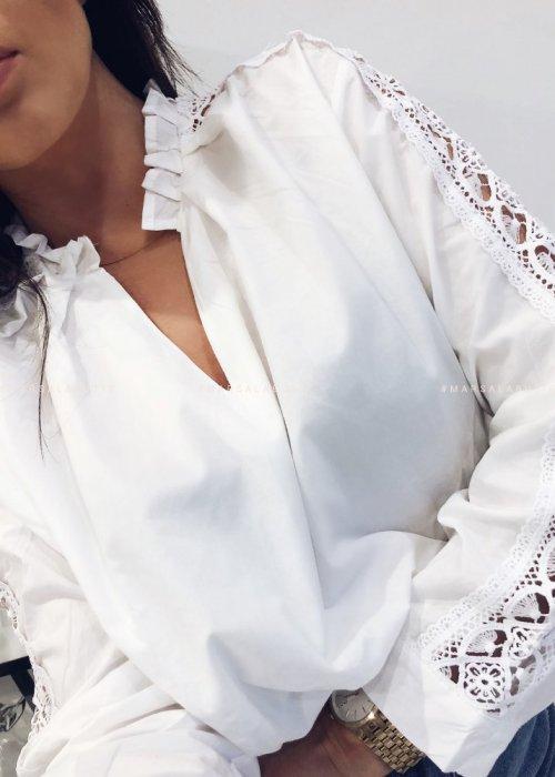 Bluzka BELIEVE biała z ozdobnym rękawem