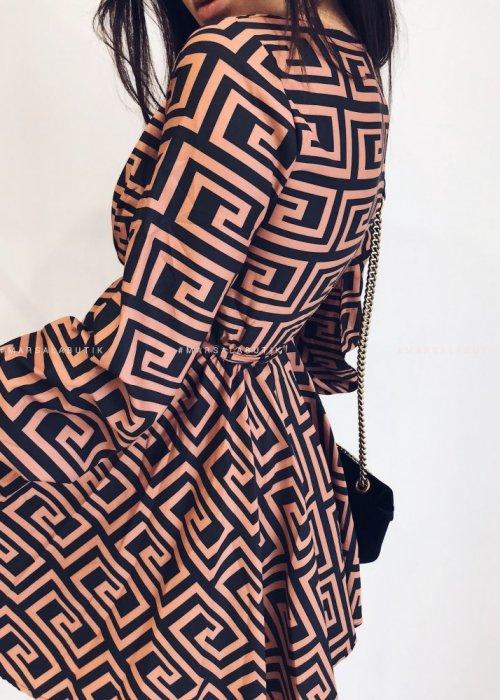 Sukienka DESIGN w geometryczne wzory kolor ceglany