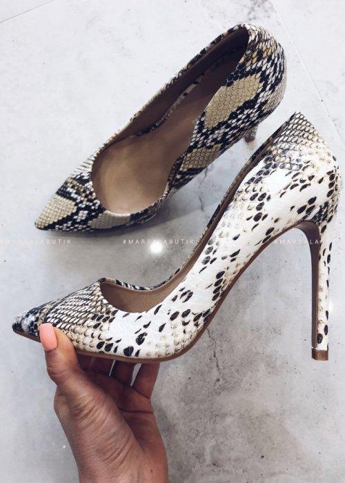 SNAKE SKIN heels yellow