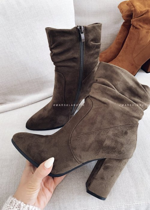 Smooth khaki suede ankle boots – ELEGANT